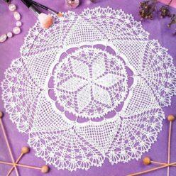 Вязание крючком. Салфетка белого цвета. Филейное вязание.