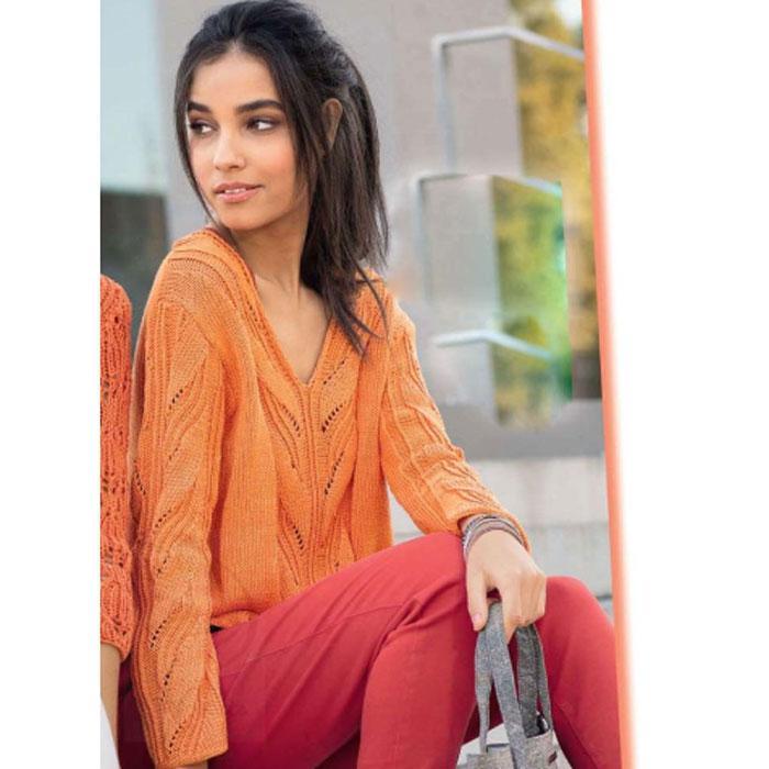 Вязание для женщин. Оранжевый пуловер с V-образным вырезом горловины