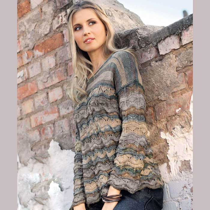 Вязание для женщин. Пуловер спицами с переходами цветов