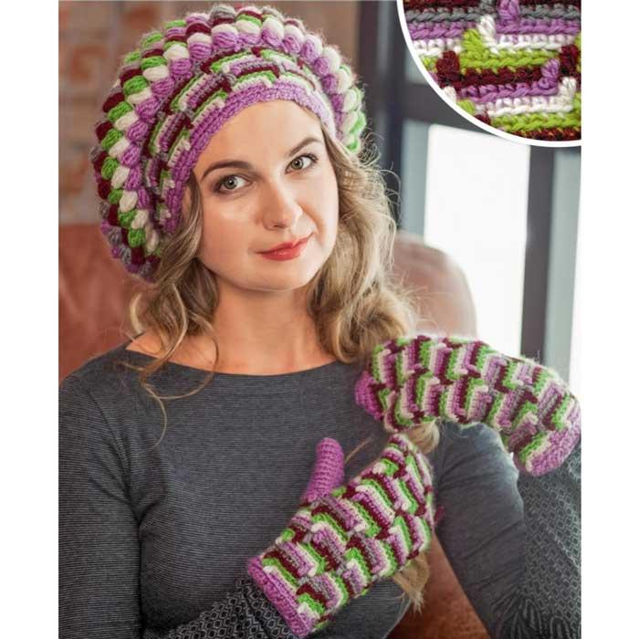 Вязание для женщин. Цветной берет и варежки крючком