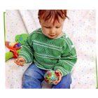 Вязание для малышей. Зеленый пуловер спицами для мальчика