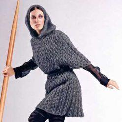 Вязание ждя женщин. Жакет крупной вязки с капюшоном спицами