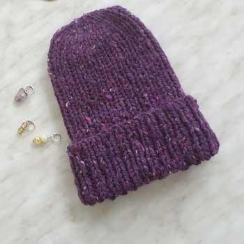 Простая шапка резинкой 1 на 1 из толстой пряжи + видео как связать