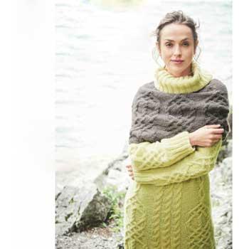 Вязание для женщин. Удлиненный пуловер спицами и шарф-петля с «косами»