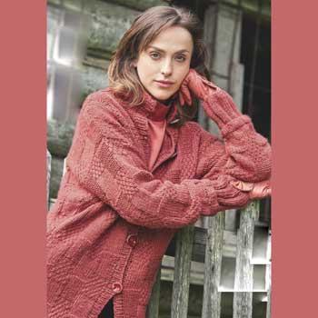 Вязание для женщин. Удлиненный жакет спицами со структурным узором