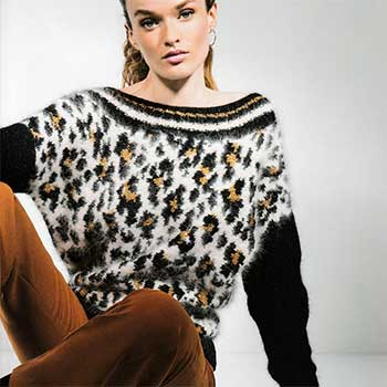 Вязание для женщин. Пуловер спицами с ярким принтом