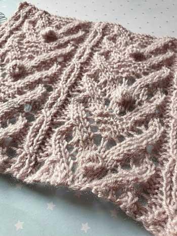 Красивый ажурный узор спицами с шишечкой для пуловера, схема узора