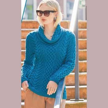 Вязание для женщин. Пуловер спицами с сочетанием «кос»