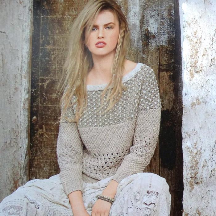 Пуловер спицами с полосами узоров