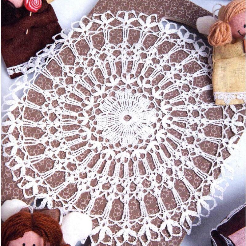 Вязание крючком. Салфетка белого цвета. Ажурное вязание.