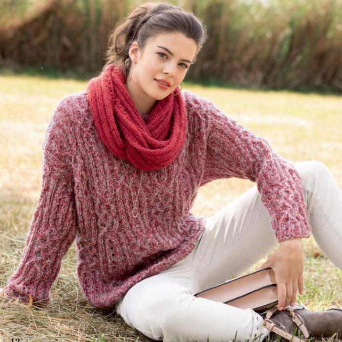 Вязание для женщин. Пуловер и шарф-петля спицами