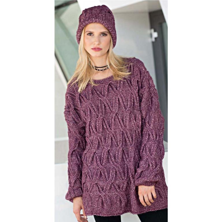 Вязание для женщин. Пуловер оверсайз и шапка с рельефными «косами»