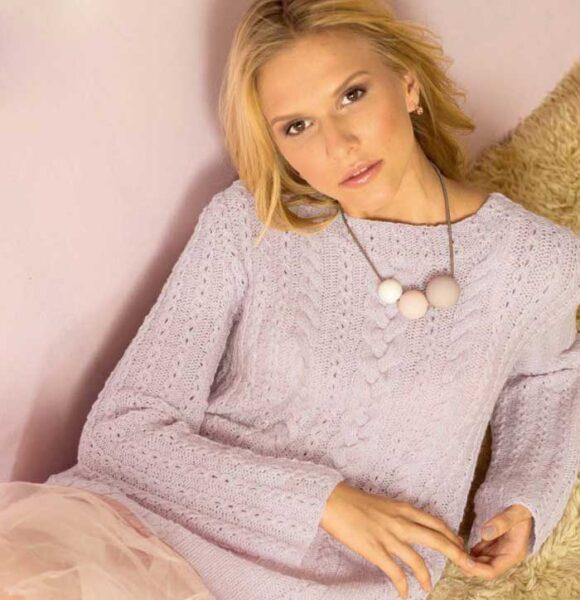 Вязание для женщин. Удлиненный пуловер спицами с узором из «кос»