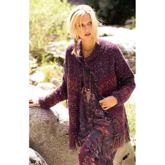 Вязание для женщин. Жакет спицами с жаккардовым узором и бахромой