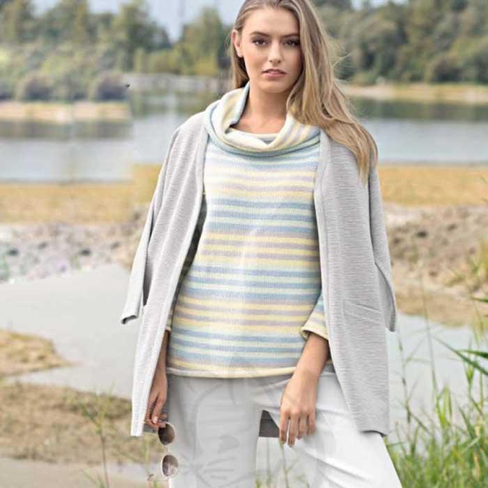 Вязание для женщин. Пуловер в полоску с воротником гольф