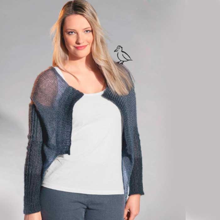 Вязание для женщин. Серый жилет, связанный поперек, и удлиненные митенки