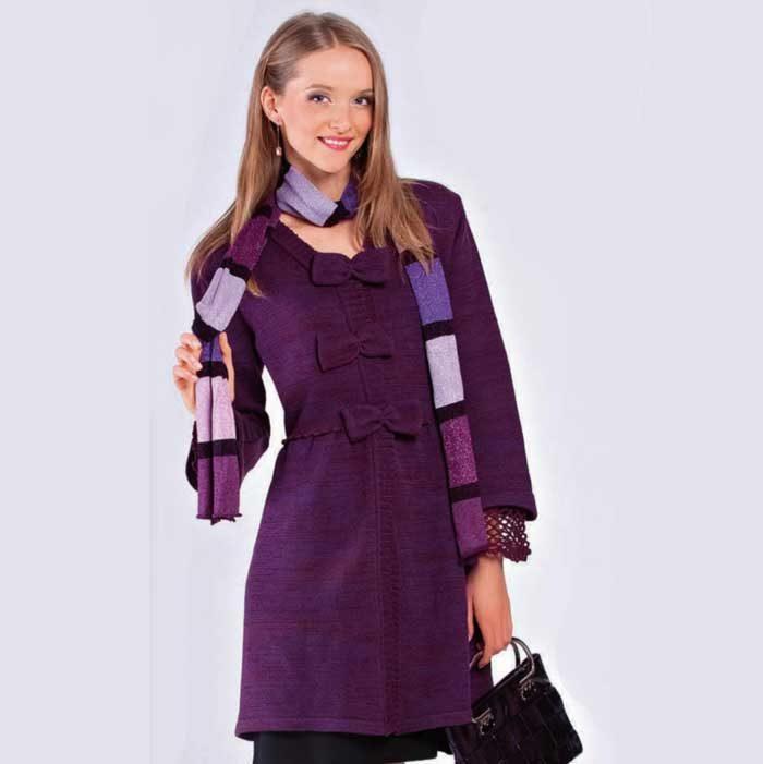 Вязание для женщин. Пальто с бантиками спицами