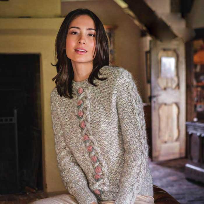 Вязание для женщин. ПУЛОВЕР СПИЦАМИ С КОСАМИ И РОЗОЧКАМИ
