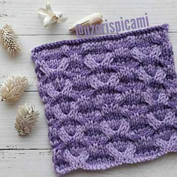 Красивый простой двухцветный узор спицами для пуловера, схема узора